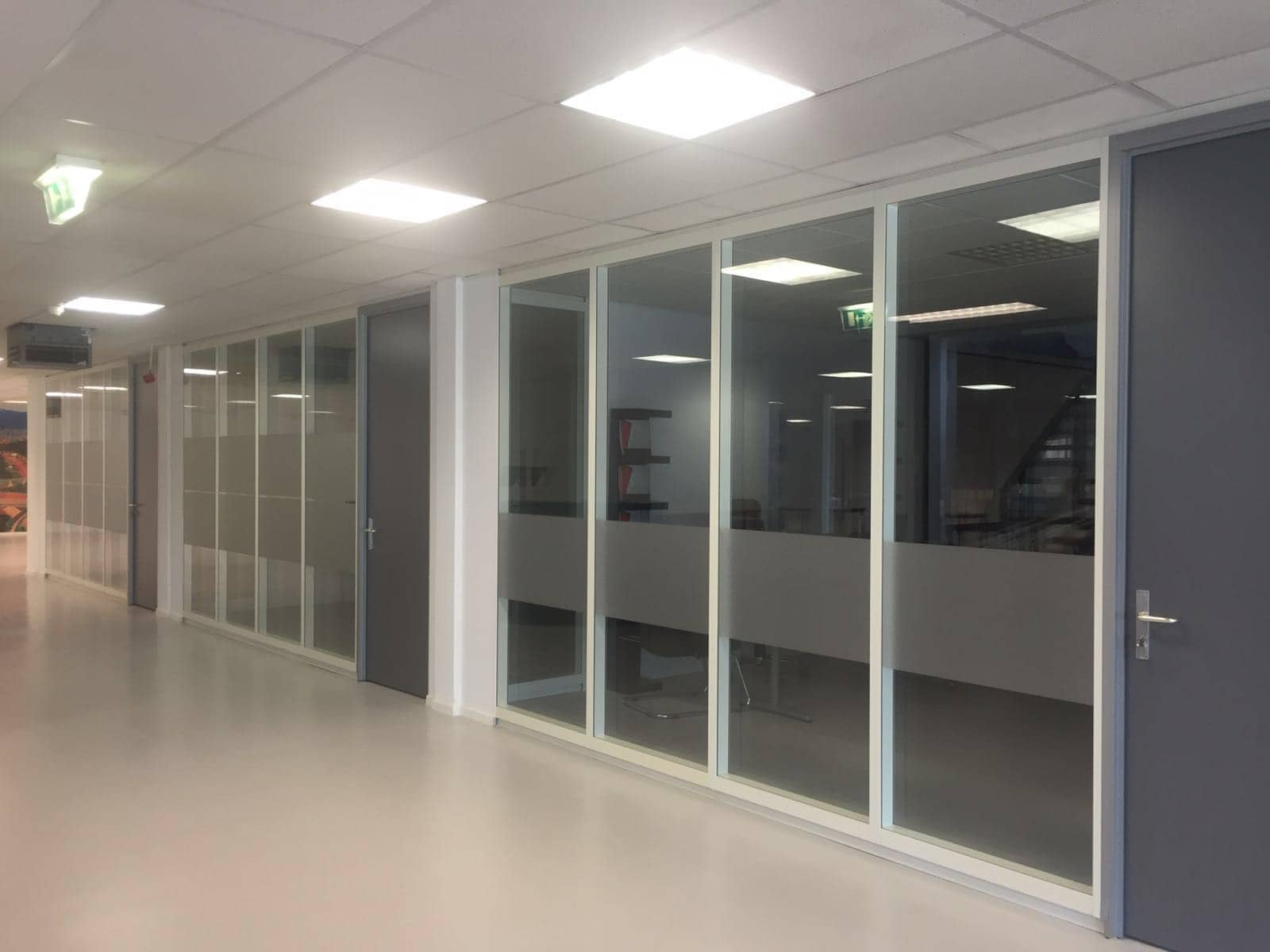 Interwonen – Leiderdorp <p> Luxe glaswanden en systeemwanden