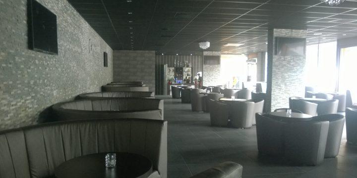 Comptoir – Rotterdam <p> Systeemplafond, dichte- en glazen systeemwanden, timmerwerken
